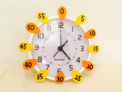 時計の読み方の練習できる時計