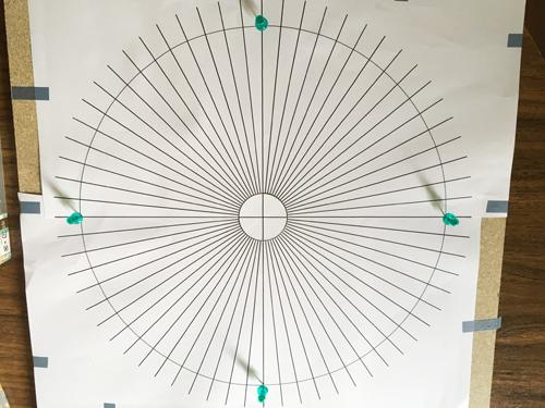 糸かけ曼荼羅型紙固定